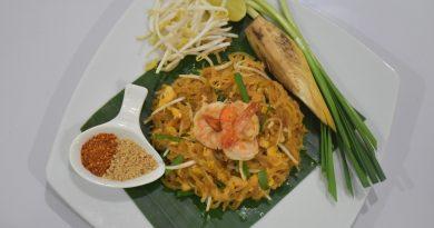 """การเรียนรู้และฝึกภาคปฏิบัติทำเมนูอาหารไทย""""ผัดไทย"""""""